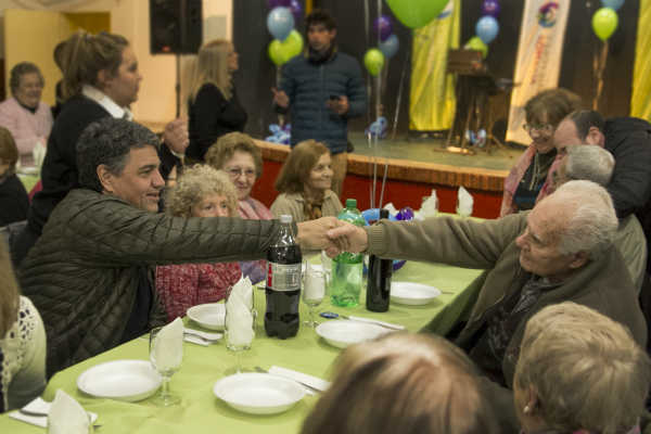 Centros de Jubilados de Villa Adelina y Carapachay recibieron subsidios