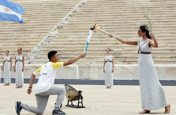 La llama olímpica de la juventud llega a San Isidro