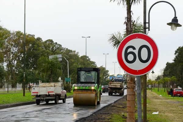 San Fernando renueva el asfalto de Camino Bancalari