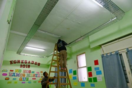 San Fernando construye el nuevo sistema eléctrico en la Escuela Primaria N° 9
