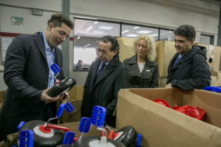 Jorge Macri y Dante Sica visitaron una fábrica de juguetes en Villa Martelli