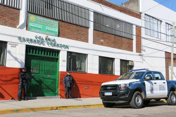 Capacitan a patrulleros municipales de San Isidro en la seguridad en zonas de colegios