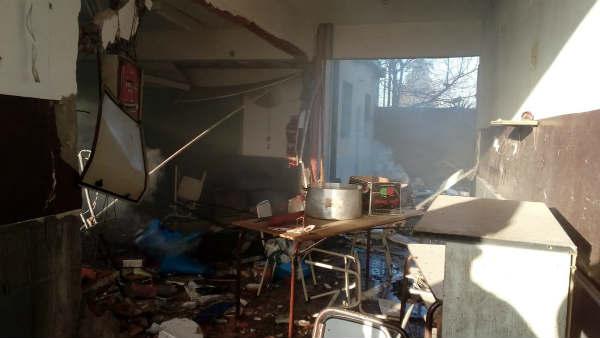 Por la explosión de una estufa y murieron dos personas en una escuela de Moreno