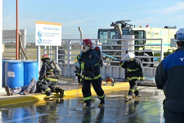 El Municipio colaboró en un simulacro de incendio en el Aeropuerto Internacional de San Fernando
