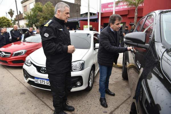 El Ministro de Seguridad de la provincia de Buenos Aires, Cristian Ritondo supervisó en el partido de Tigre el operativo que permitió desarticular la banda,
