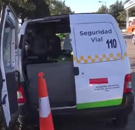 Desvinculan a una agente de tránsito de Vicente López por agredir a un automovilista