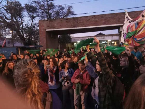Pañuelazo verde contra el aborto clandestino en Pacheco