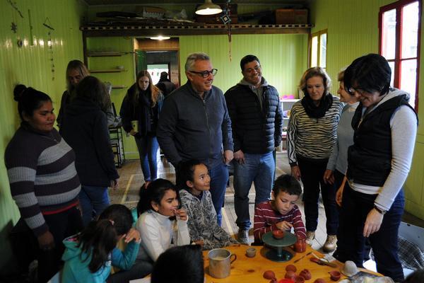 Julio Zamora visitó el Centro Cultural Comunitario y Biblioteca popular Caraguatá