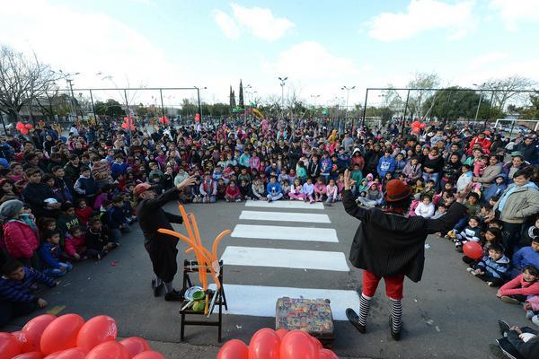 Con juegos, shows y sorteos, el Día del Niño se vive todo el mes en las plazas de Tigre