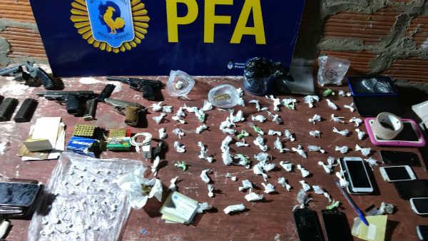 Desbaratan una banda que se dedicaba al narco menudeo en barrio La Cava