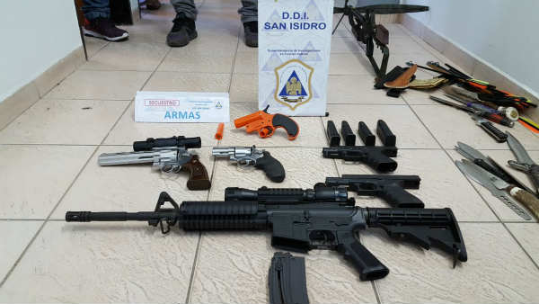 Detuvieron en Martínez a un hombre que amenazaba con armas de fuego y hostigaba a sus vecinos