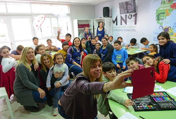 Chicos de San Fernando armaron una muestra de juguetes sobre cuentos de María Elena Walsh