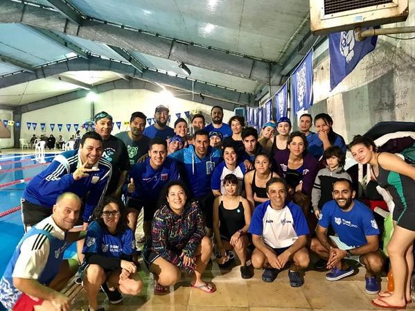 Más de mil nadadores participan del círculo de maratón acuático en Tigre