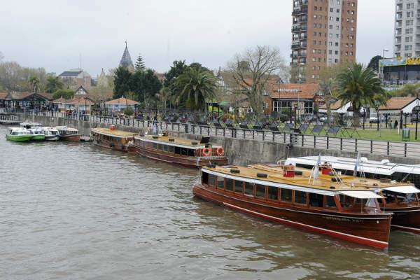 Vecinos de Islas reclamaron contra el ajuste en el transporte fluvial  - Estación Fluvial