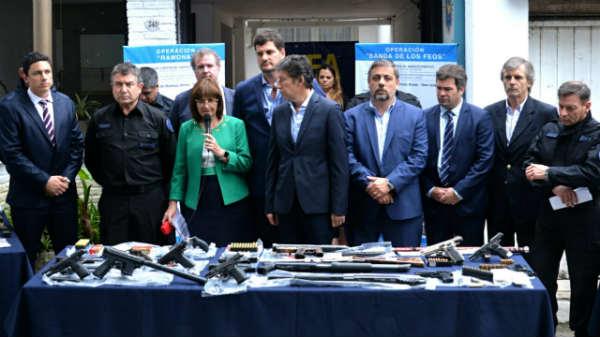 """Bullrich presentó los operativos que permitieron desarticular la """"cartelización"""" del narcotráfico en el barrio Santa Rita de San Isidro"""