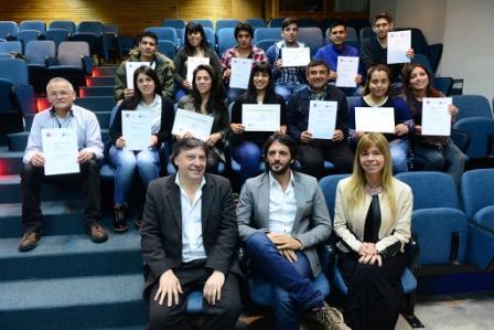 """En el Centro Universitario, de San Fernando se entregaron diplomas a sanfernandinos que finalizaron """"Gestión del Deporte"""""""