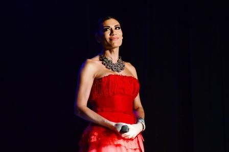 Flor de la V deslumbró a los sanfernandinos con su show de Stand Up en el Teatro Martinelli