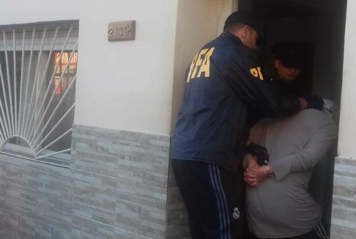 Cayó un pedófilo en Villa La Rana: rescatan a tres menores e incautan equipos con pornografía infantil