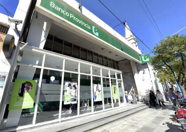 El viernes reabrirán los bancos para atender el pago a jubilados y beneficiarios de seguridad social