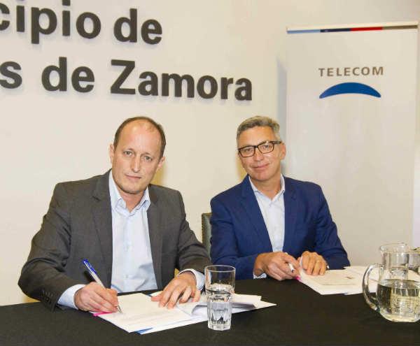 Carlos Moltini, CEO de Telecom, se reunió con el Intendente de Lomas de Zamora, Martin Insaurralde para presentarle el plan de inversiones en el municipio