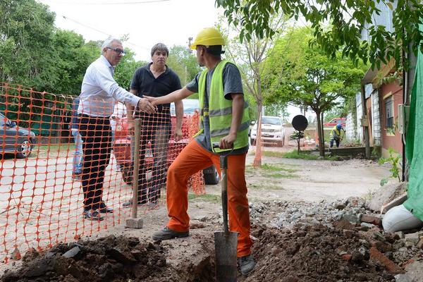 Julio Zamora supervisó el avance de obras de gas, asfalto y veredas en más localidades de Tigre
