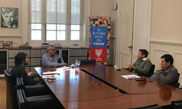 El intendente de Tigre se reunió con representantes del Sindicato de Obreros Marítimos Unidos (SOMU), a quienes les manifestó su apoyo en la lucha que llevan adelante para buscar una solución a la crisis del sector