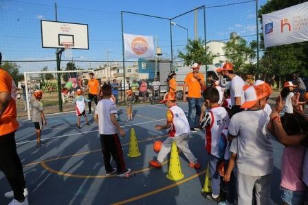 Jornada de básquet solidario en La Cava