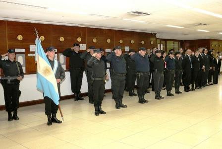 El intendente Gustavo Posse participó del acto en el Hipódromo local, donde se entregaron distinciones a efectivos destacados por su labor diaria y homenajearon a los caídos en su deber.