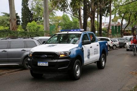 Para reforzar la seguridad en el barrio La Horqueta (Boulogne), el Municipio dispuso móviles de patrullaje municipal fijos en las calles aledañas al límite con San Fernando.