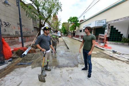Juan Andreotti recorrió las obras de la calle 3 de Febrero
