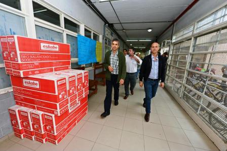 San Fernando entregó calefactores para acondicionar la Escuela Técnica N° 3