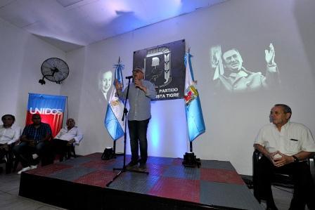 """El intendente y presidente del PJ de Tigre se refirió así a la conformación de un frente alternativo al gobierno de Cambiemos. Lo hizo en el marco de los festejos por el """"Día del Militante"""" y la reinauguración de la casa del Partido Justicialista local,"""