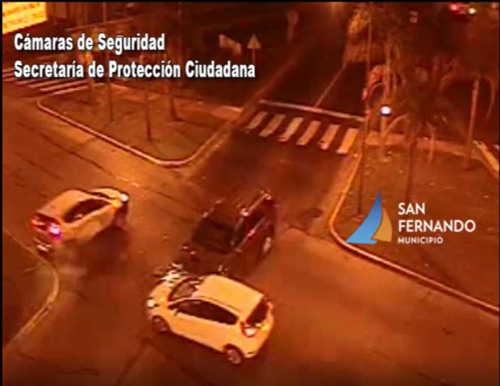 Las Cámaras de San Fernando permiten enviar asistencia ante fuerte choque de tres autos.