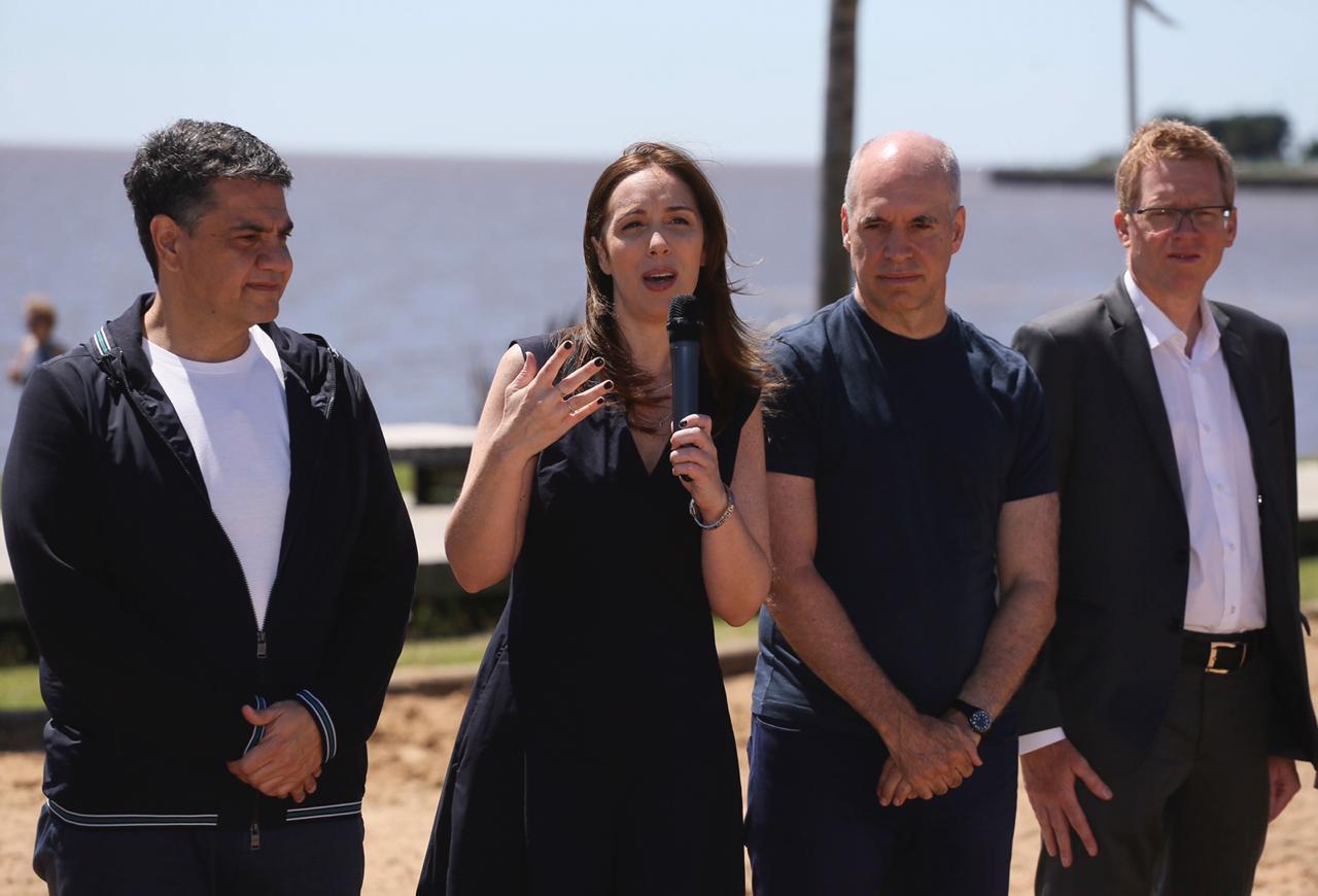 Vidal anunció en Vicente López beneficios bancarios para quienes veraneen en la costa atlántica bonaerense