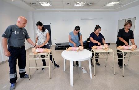 Tigre realizó una jornada de cardioprotección para prevenir situaciones de emergencias con bebés