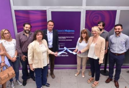 El intendente Gabriel Katopodis abrió el nuevo centro, ubicado en Ramón Carrillo 2209, en donde un equipo de profesionales brindará protección integral y promoverá la igualdad de derechos.