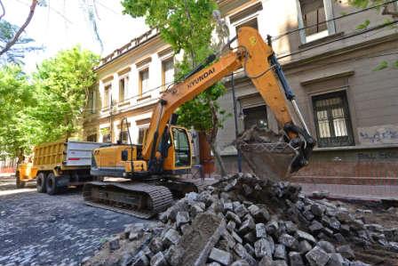 San Fernando avanza con las obras de renovación de la calle 3 de Febrero