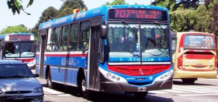 Autorizan al personal en casas particulares a viajar en transporte público en el AMBA