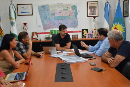Sebastián Galmarini, los concejales Gonzalo Beccar Varela y Juan Medina, se reunieron junto al equipo técnico y la ex edil Marcela Durrieu, para analizar el presupuesto y las ordenanzas fiscal e impositiva que presentó el Ejecutivo local para el año 2019.