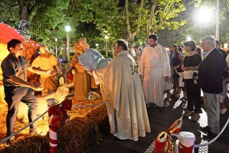 Luis Andreotti participó de la Misa de Noche Buena en la Parroquia Aránzazu