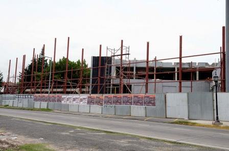 Julio Zamora supervisó el avance de obras de los tres Hospitales de Diagnóstico Inmediato, que construye el municipio en el centro de la ciudad y en las localidades de Benavídez y Don Torcuato.