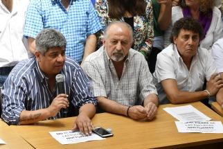 """Sindicatos opositores van a la justicia y convocan a marchas """"de velas y antorchas"""" contra aumentos de tarifas"""