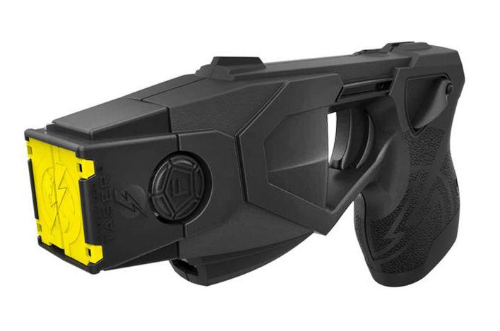 El Ministerio de Seguridad comprará 300 pistolas Taser para no usar armas de fuego en lugares concurridos
