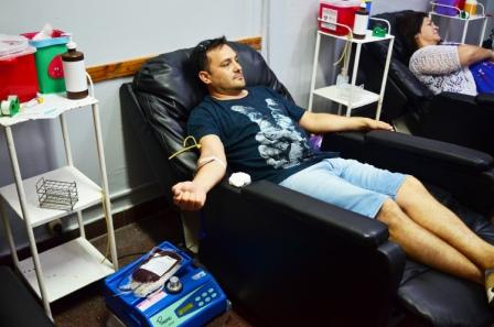 El Hospital Houssay recibe cada vez más donantes de sangre voluntarios