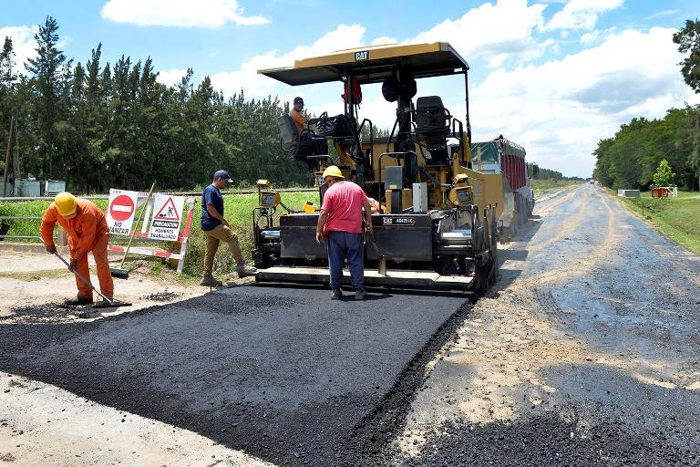Continúa con el plan de pavimentación de calles en Benavidez.