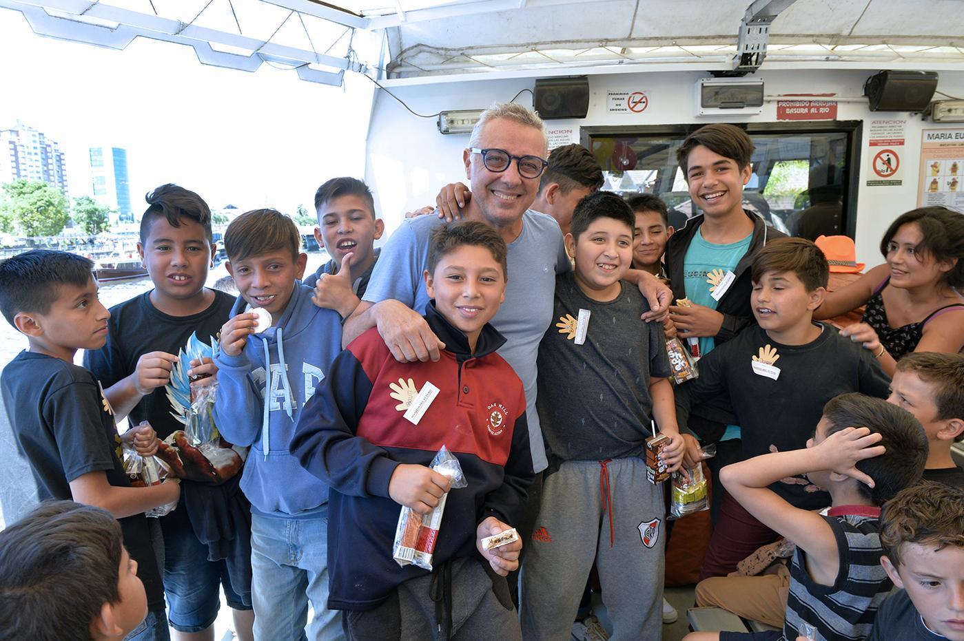 Más de 120 chicos de merenderos y comedores de Tigre participaron de un paseo por el Delta.