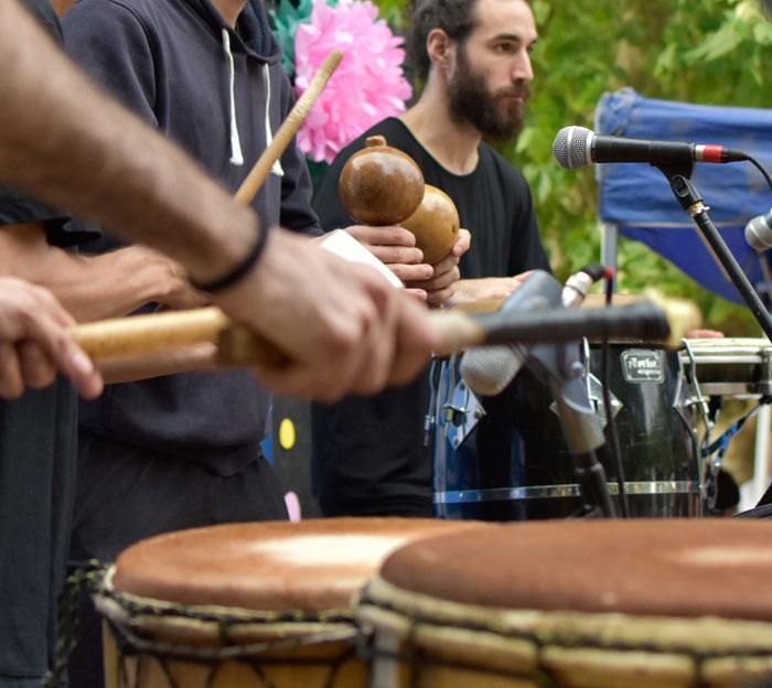 Por primera vez, se enseñará en Pilar percusión e improvisación por señas.