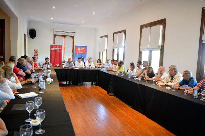 Tigre presentó un programa de apoyo a la industria turística del Delta.