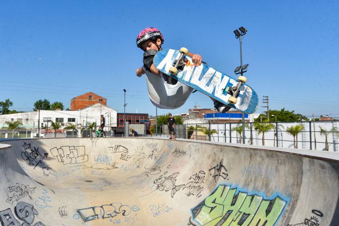 Skaters internacionales visitaron el Parque de Deportes Extremos de San Fernando.