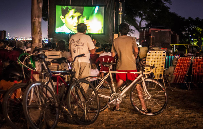 San Isidro: llega una nueva edición de bicicine en la playa.